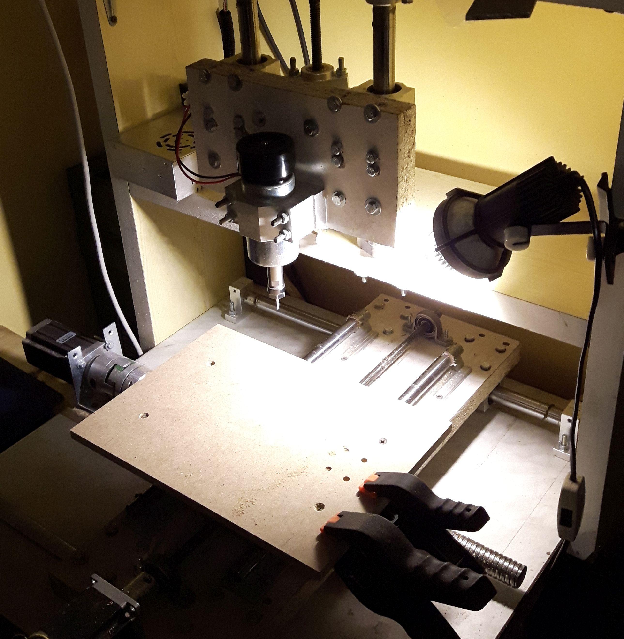 Zaktualizowano Frezark cnc domowej roboty - prezentacja - cnc.info.pl - FORUM CNC UC86